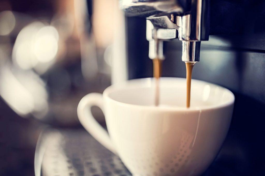 Le café optimise de l'intelligence et stimule l'attention durant la journée.