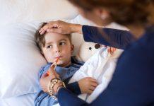 La fièvre chez l'enfant : symptômes et causes